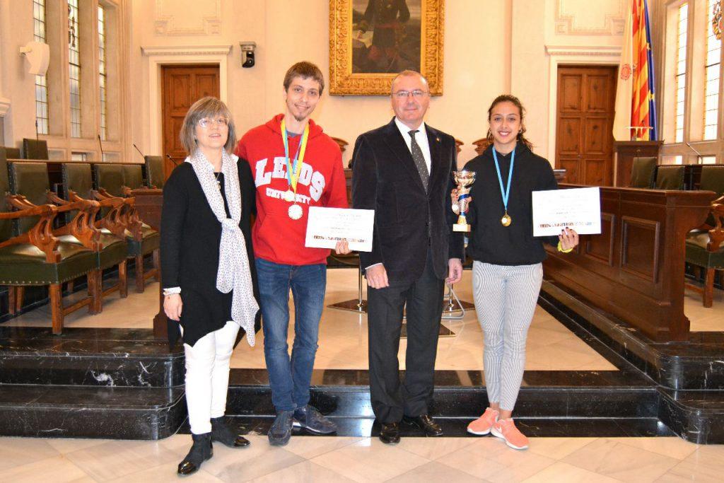 Fotografia dels guanyadors a l'Ajuntament de Reus